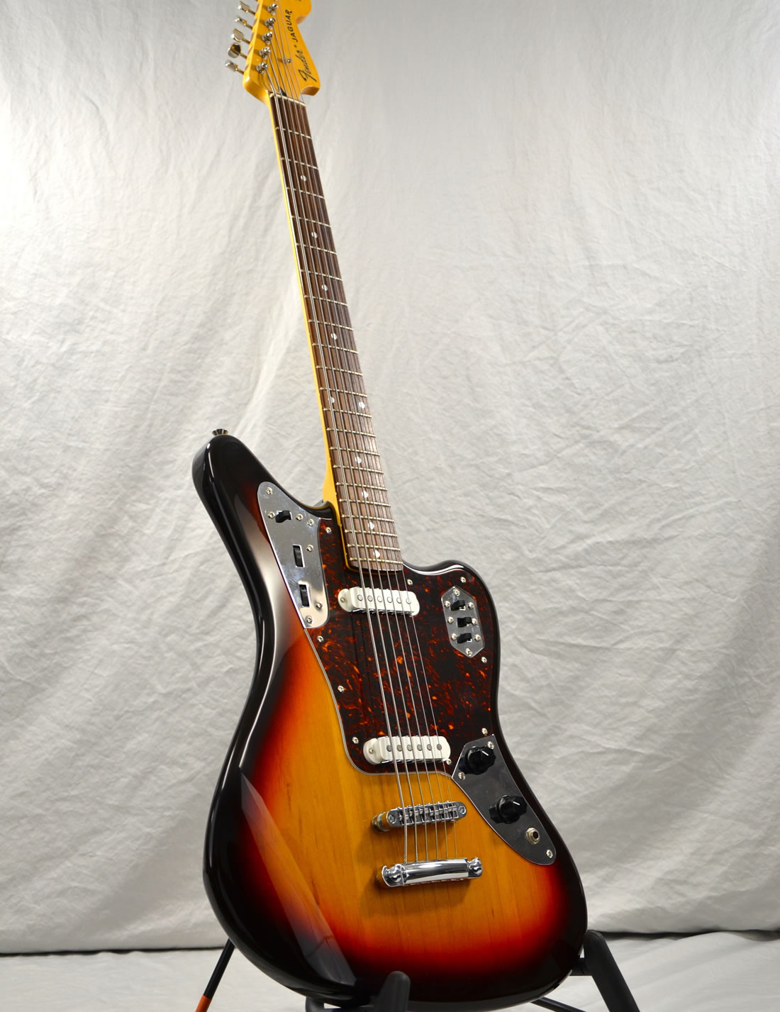 fender jaguar baritone bass vintage guitars and amps. Black Bedroom Furniture Sets. Home Design Ideas