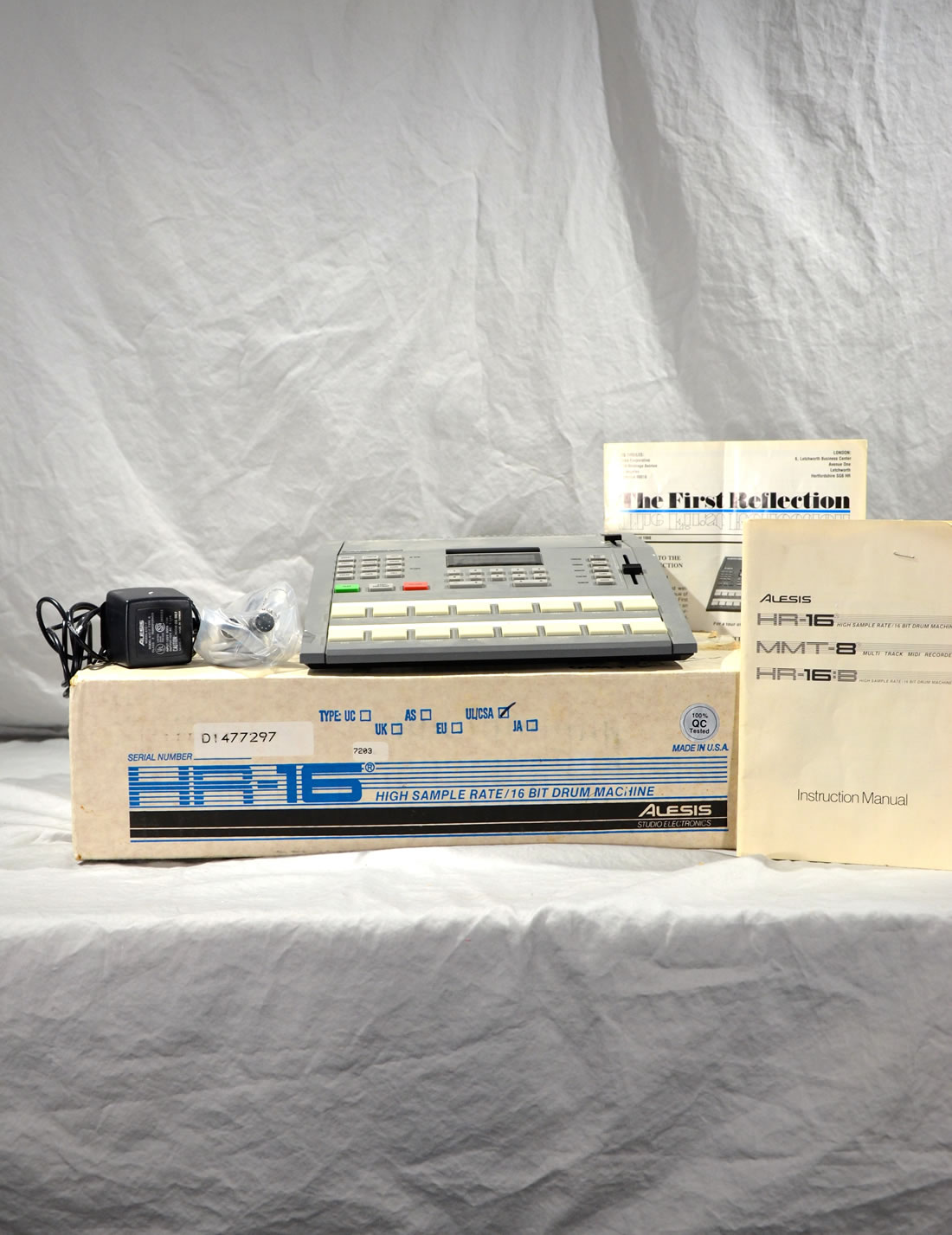 Alesis HR-16 / 16 BIT Drum Machine